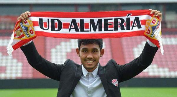 Teerasil Dangda resmi bergabung UD ALmeria (Foto: Ist)
