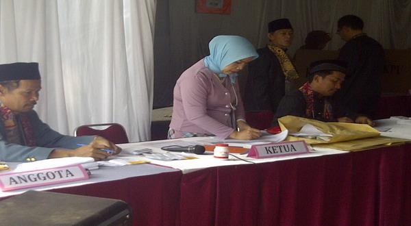 TPS Megawati Bersolek Ala Betawi