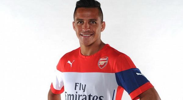 Alexis Sanchez resmi berseragam Arsenal (Foto: Arsenal.com)