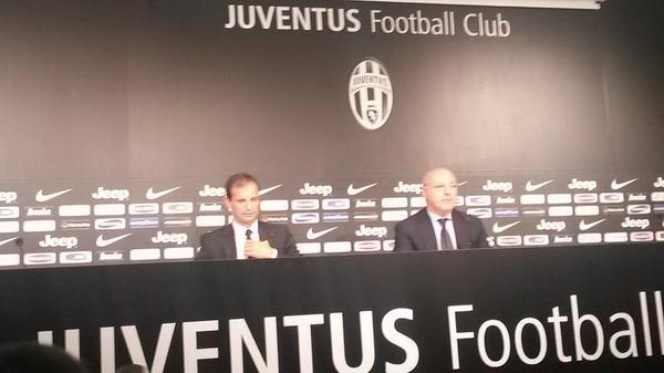 Massimiliano Allegri dan Giuseppe Marotta (Foto: Youtube)