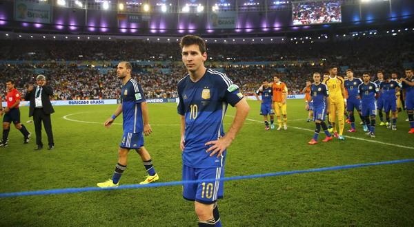 Situs Bola - Mario Kempres Memberikan  Komentar Terhadap Penampilan Messi