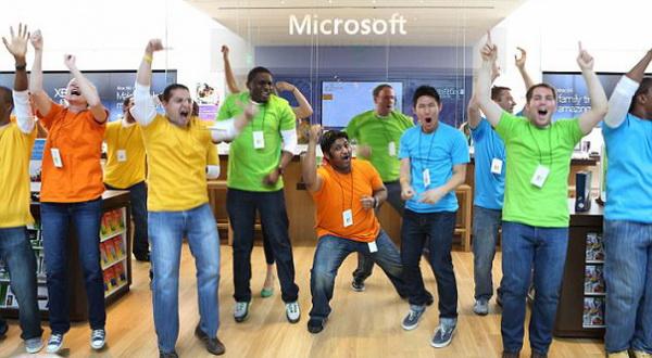 Microsoft Copot Puluhan Ribu Karyawan Divisi Nokia