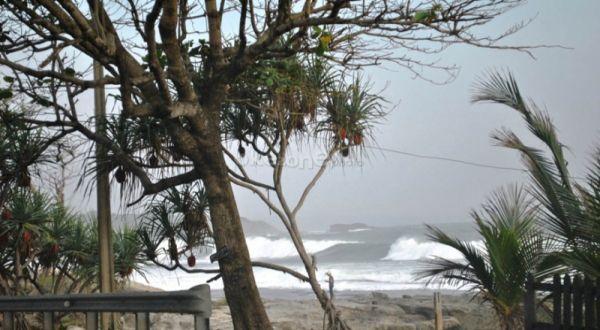 Gelombang Laut di Maluku Capai 5 Meter