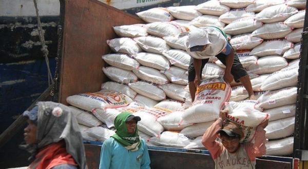 Bulog yakin pasokan beras lebaran aman (Ilustrasi: Okezone)