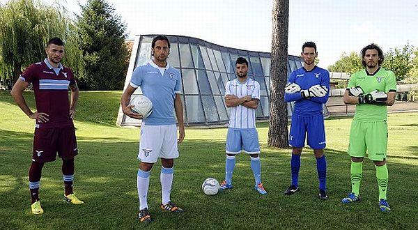 Perkenalan jersey terbaru Lazio. (Foto: situs klub) ROMA – Lazio