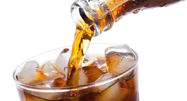 Hindari Minuman Karbonasi Dingin Selama Puasa