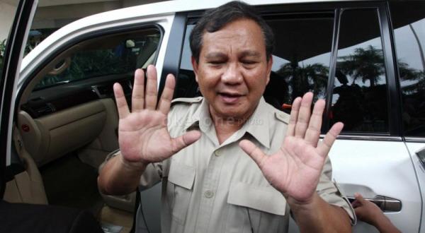 Prabowo Larang Pendukung Turun ke Jalan