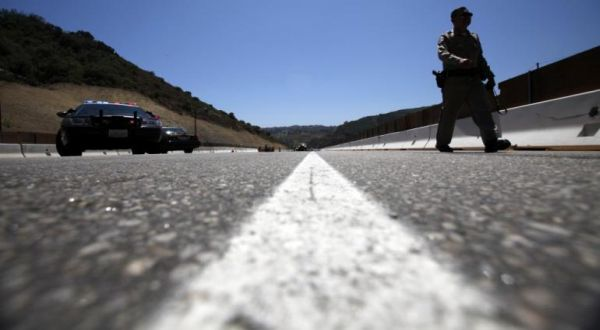 Jembatan Comal Ambles Ganggu Lebaran Tahun Ini (Ilustrasi: Reuters)