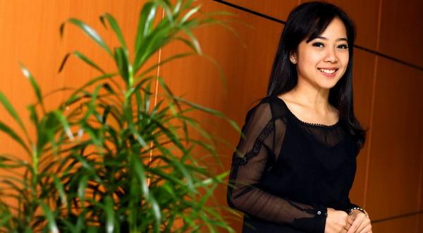 Karina Salim Sebut Merokok Buang-Buang Uang