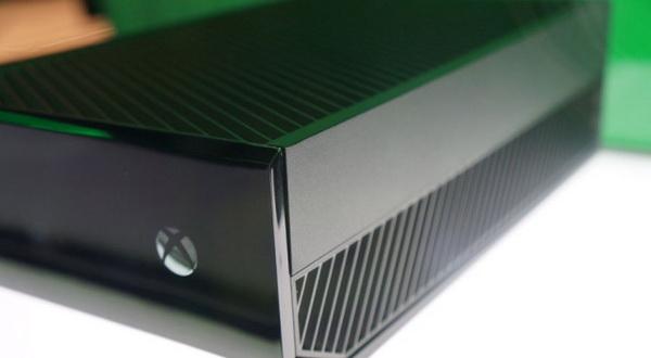 Agustus, Xbox One 3D Blu-ray Diluncurkan