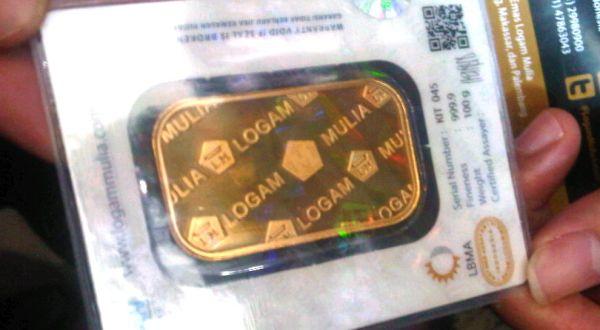 Penjualan emas Antam turun 31 persen. (Foto: Okezone)