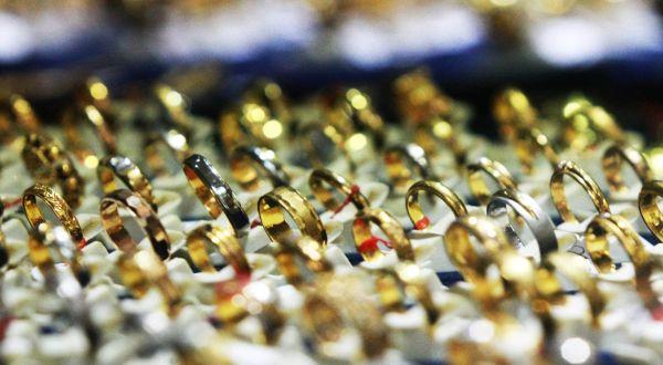 Ekspor perhiasan permata naik 109 persen. (Foto: Okezone)