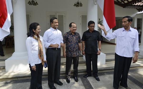 Tim Transisi Jokowi Dikritik