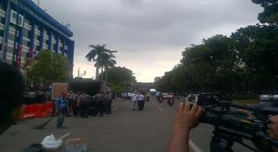Demo di MK Bubar, Arus Lalin Jalan Medan Merdeka Lancar