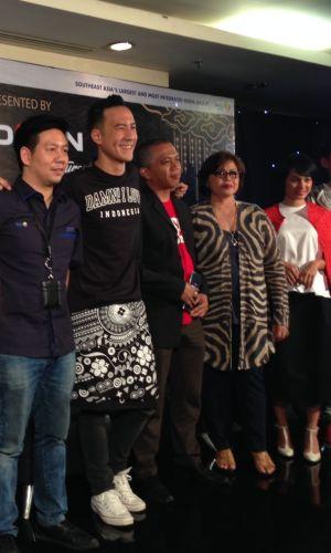 Daniel Mananta Perlihatkan Batik Berdaya Jual Tinggi