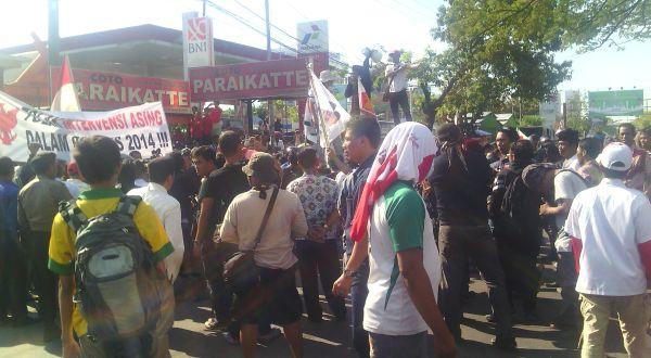 Massa di Makassar Desak Pilpres Diulang