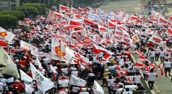 Bentrok, 4 Pendukung Prabowo-Hatta Pingsan