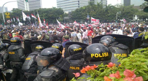Massa Prabowo Mulai Membubarkan Diri