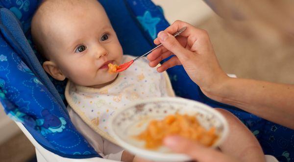 Kenalkan Dahulu Bayi pada Sayuran ketimbang Buah