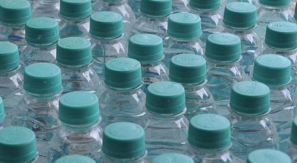Air Mineral Kemasan Picu Osteoporosis