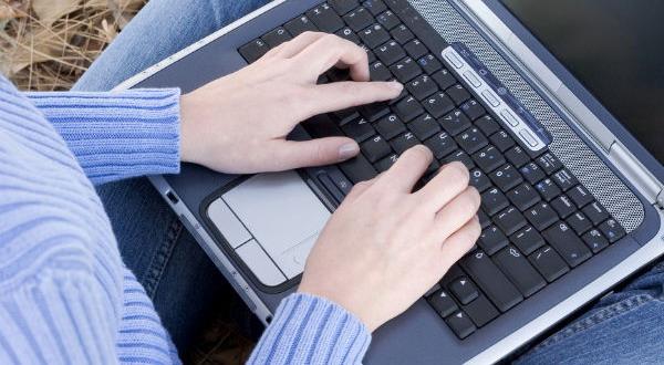 Sering Pakai Laptop, Pria Bisa Mandul