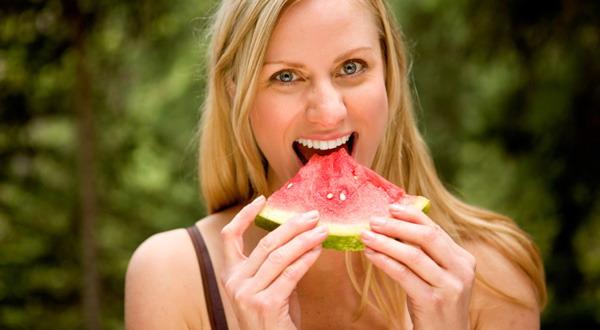Semangka Bantu Turunkan Berat Badan