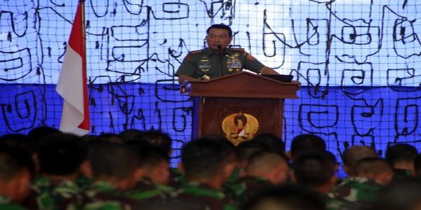Panglima TNI Minta Anak Buah Menahan Diri