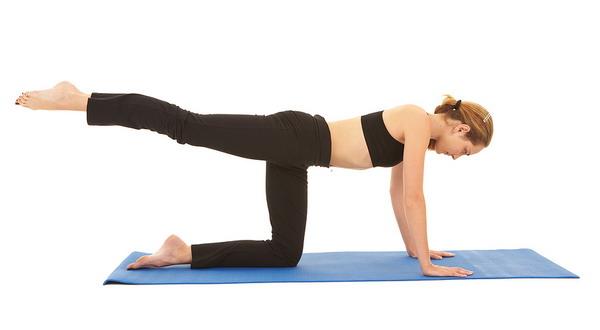 Latih Otot Perut dengan Pilates