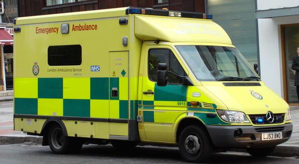Ambulan Trauma Center Atasi Kecelakaan Kerja