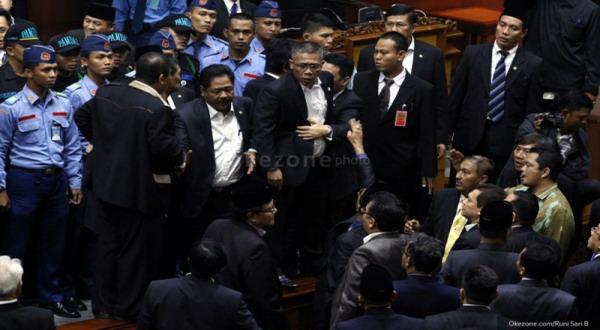 Sidang Perdana Ricuh, DPR 2014-2019 Takkan Lebih Baik