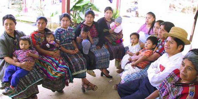 Edukasi Kontrasepsi di Desa Terbentur Mitos