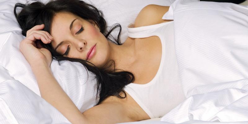 Empat Alasan Tidur Bantu Turunkan Berat Badan