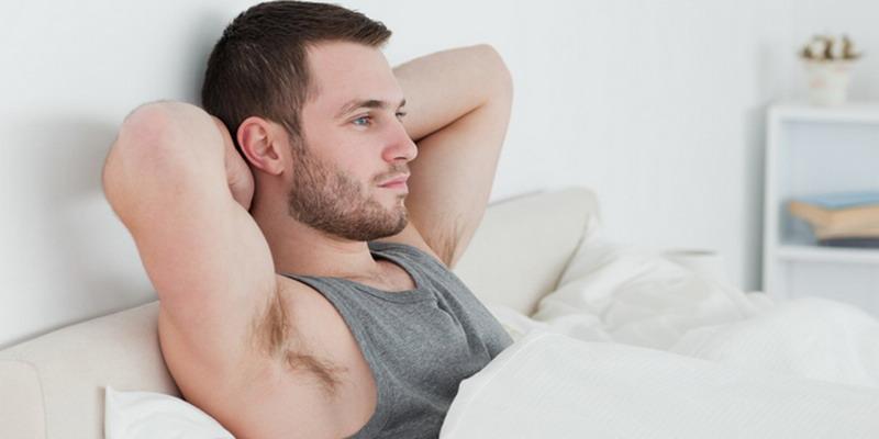 Bangun Tidur, Pria Normal Alami Ereksi
