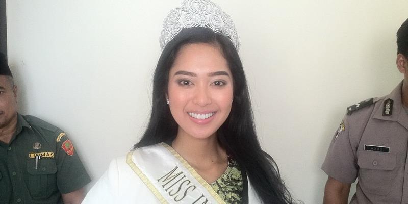 Maria Rahajeng Selalu Jaga Kesehatan Gigi