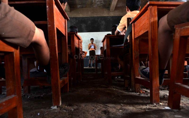 UGM Cari Guru untuk di Papua