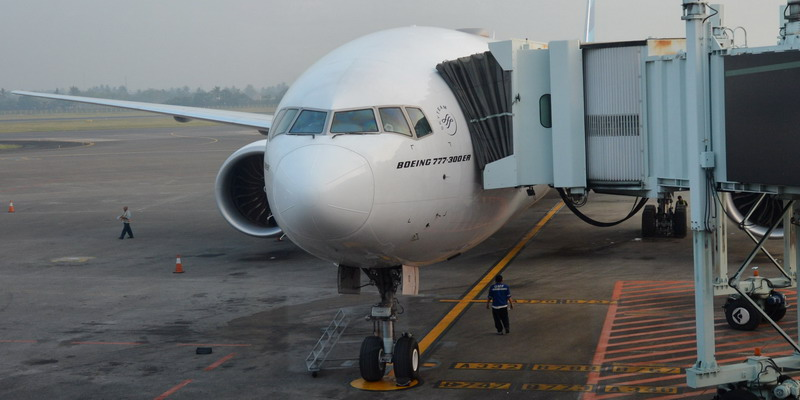 https: img.okeinfo.net content 2014 11 05 337 1061307 menteri-jonan-ngamuk-di-bandara-soekarno-hatta-vqrQEXdouk.jpg