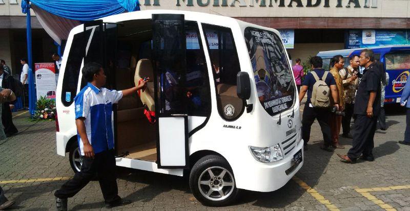 Menteri Anies Baswedan Puji Mobil Listrik Buatan SMK Muhammadiyah