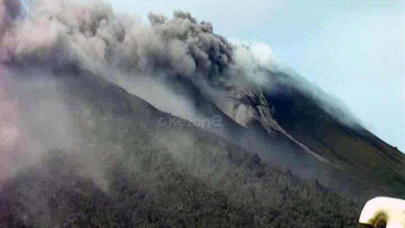 10 Orang Terjebak di Gunung Gamalama