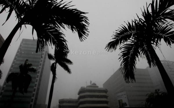 Akhir-pekan-jakarta-diguyur-hujan-ojurylfg0p