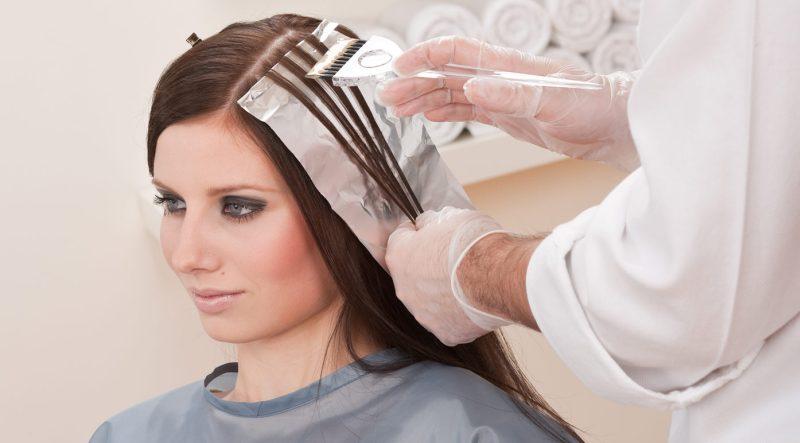 https: img.okeinfo.net content 2015 01 15 83 1092499 bukan salah salon jika rambut rusak usai diwarnai dpkRteLm6P.jpg