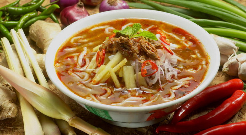 https: img.okeinfo.net content 2015 04 04 298 1129035 laksa-street-food-khas-singapura-0KK7CWYjSH.jpg