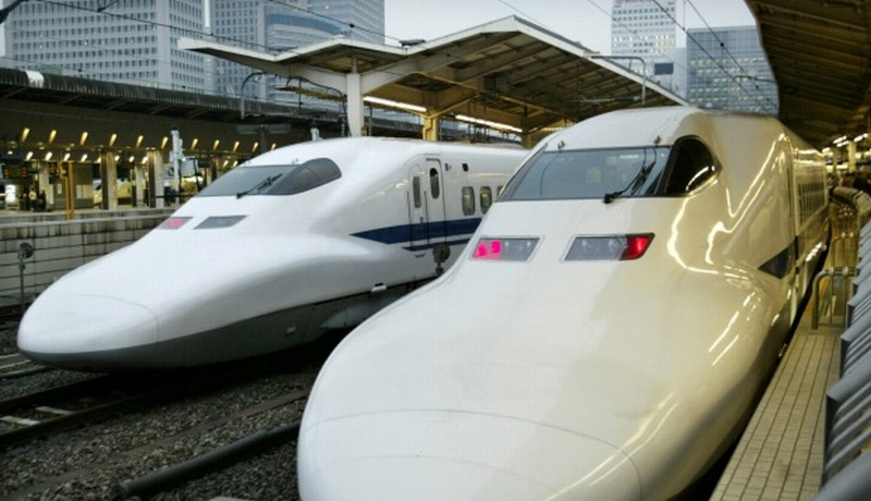https: img.okeinfo.net content 2015 04 25 213 1139998 kereta-cepat-shinkansen-mungkinkah-hadir-di-indonesia-nWzcYk4dc5.jpg