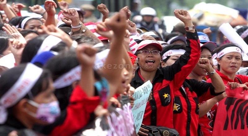 https: img.okeinfo.net content 2015 04 29 320 1142103 buruh-indonesia-sulit-sejahtera-karena-ini-ApU2wFr1pn.jpg