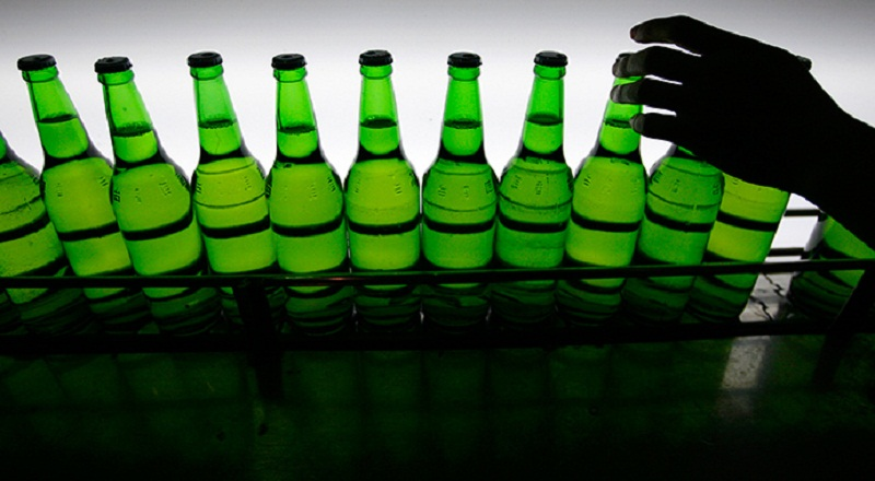 https: img.okeinfo.net content 2015 05 16 320 1150595 alasan-mendag-gobel-larang-minuman-beralkohol-fatrng9cpG.jpg