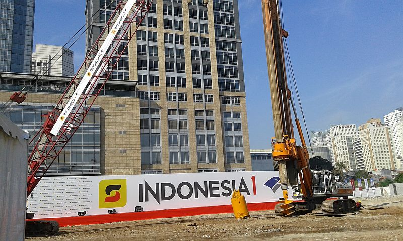 https: img.okeinfo.net content 2015 05 23 470 1154010 indonesia-1-gedung-kembar-pencakar-langit-jakarta-r9MiiqKgcp.jpg