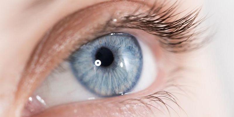 """Tingginya tekanan membuat aliran darah tidak mencapai mata dan merusak sarafnya,"""" lanjutnya."""