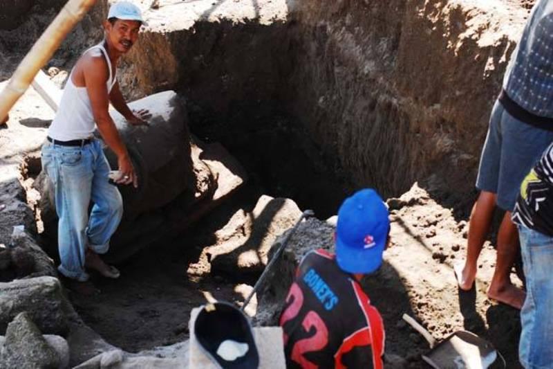https: img.okeinfo.net content 2015 06 24 510 1170315 arca-sapi-ditemukan-di-kedalaman-enam-meter-AIyPvyl6Tw.jpg