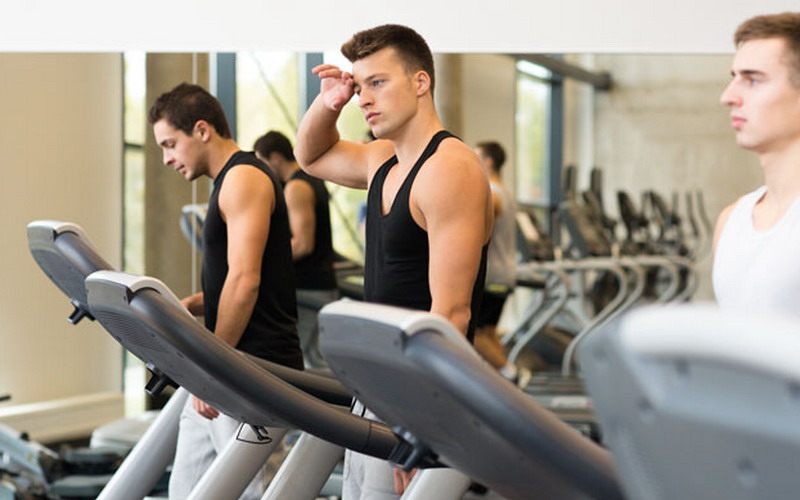 https: img.okeinfo.net content 2015 07 31 481 1188427 alasan-orang-malas-olahraga-di-tempat-gym-QdHuc1UZe5.jpg