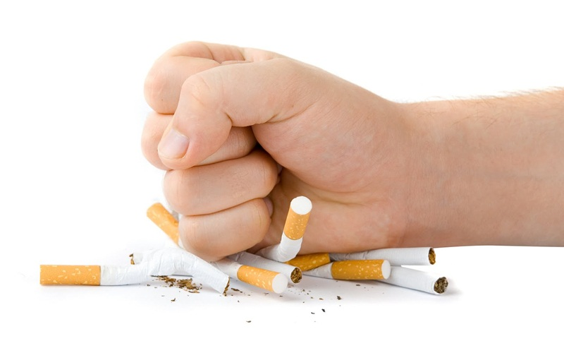 https: img.okeinfo.net content 2015 08 24 481 1201564 berhenti-merokok-bakal-menambah-berat-badan-Ny1MotwzoD.jpg