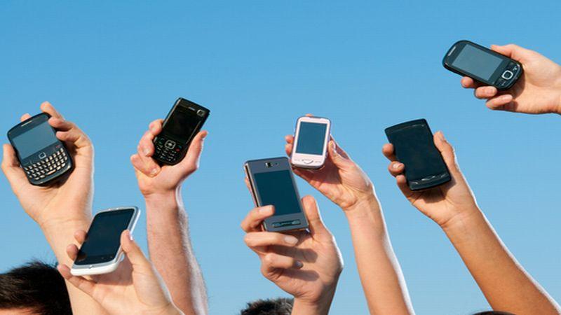https: img.okeinfo.net content 2015 09 19 57 1217340 2015-pengguna-smartphone-di-indonesia-capai-55-juta-s71l2tEpL7.jpg